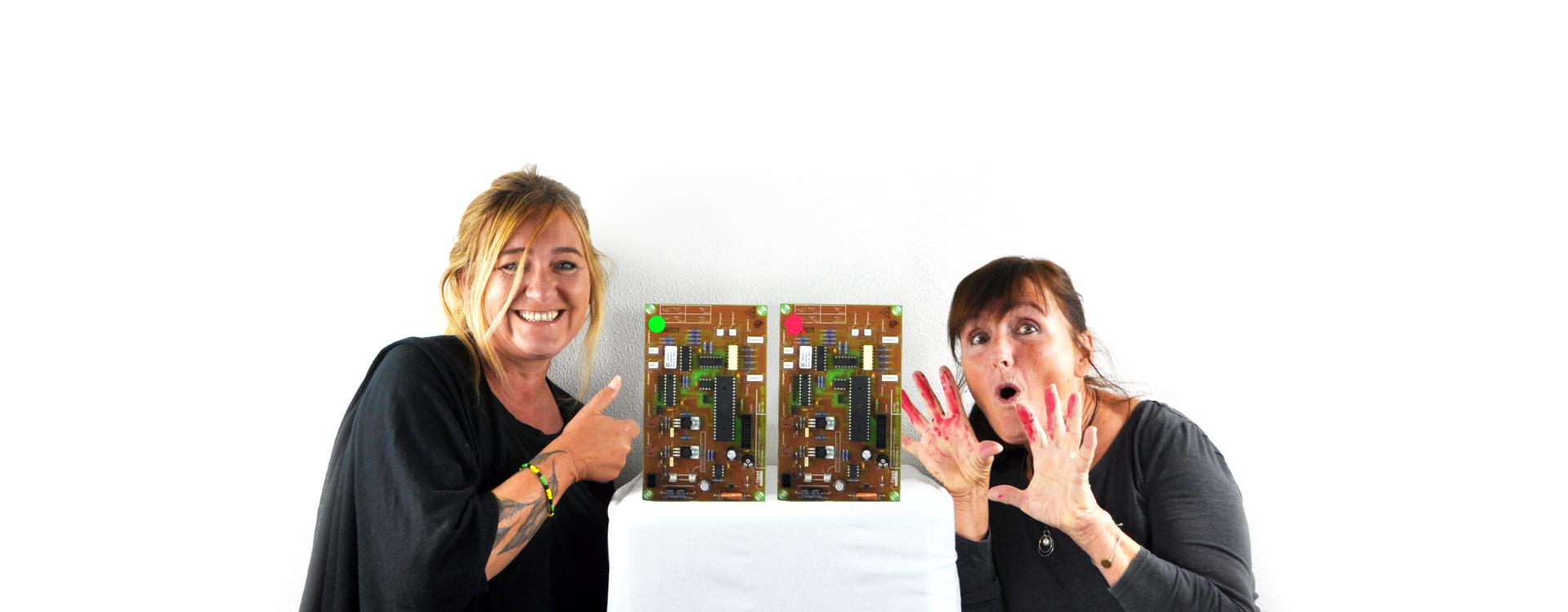 zwei Frauen präsentieren MS1000-Markiersystem von tippl