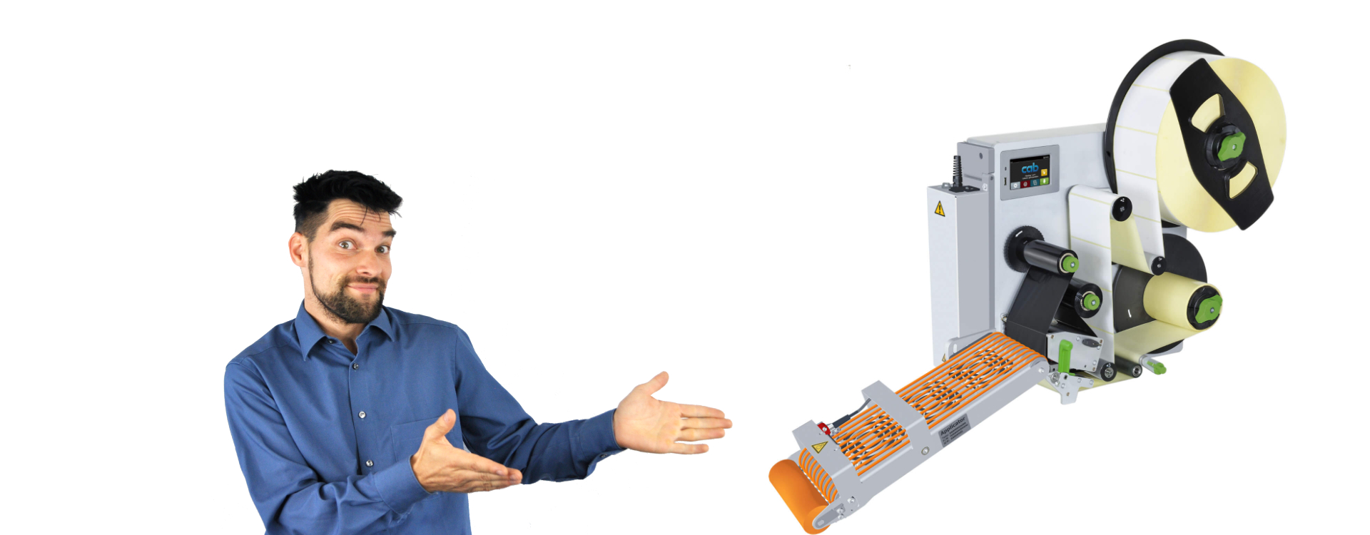 Mann präsentiert CAB Applikator Etikettendrucker von TIPPL
